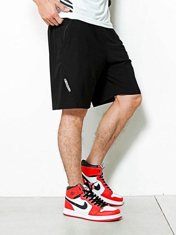運動風尚英字彈力短褲