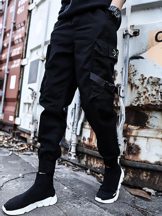 超有型穿搭。軍裝風格。忍者縮口褲