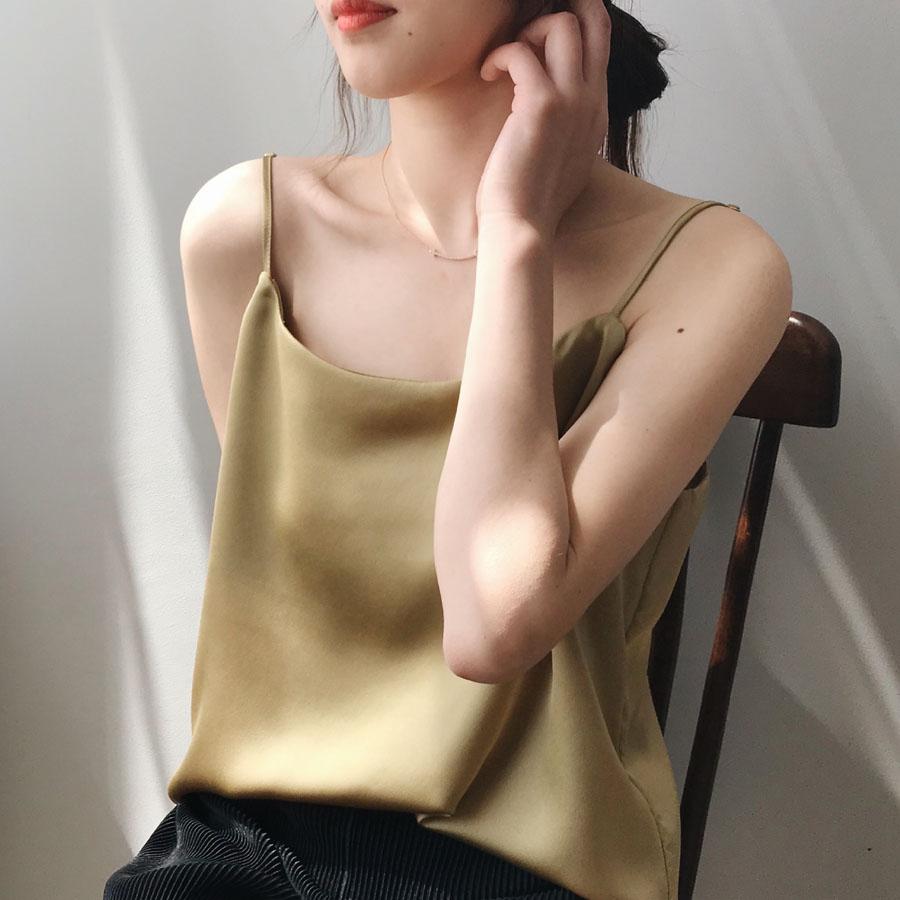 簡約細肩帶緞面背心,,,K1070009,簡約細肩帶緞面背心,
