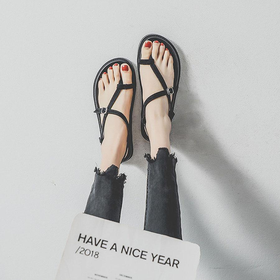 簡約平底套指羅馬涼鞋
