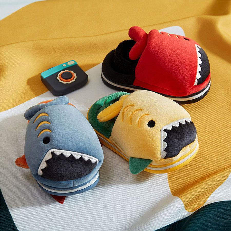 童鞋.兒童鯊魚造型保暖防滑室內拖鞋