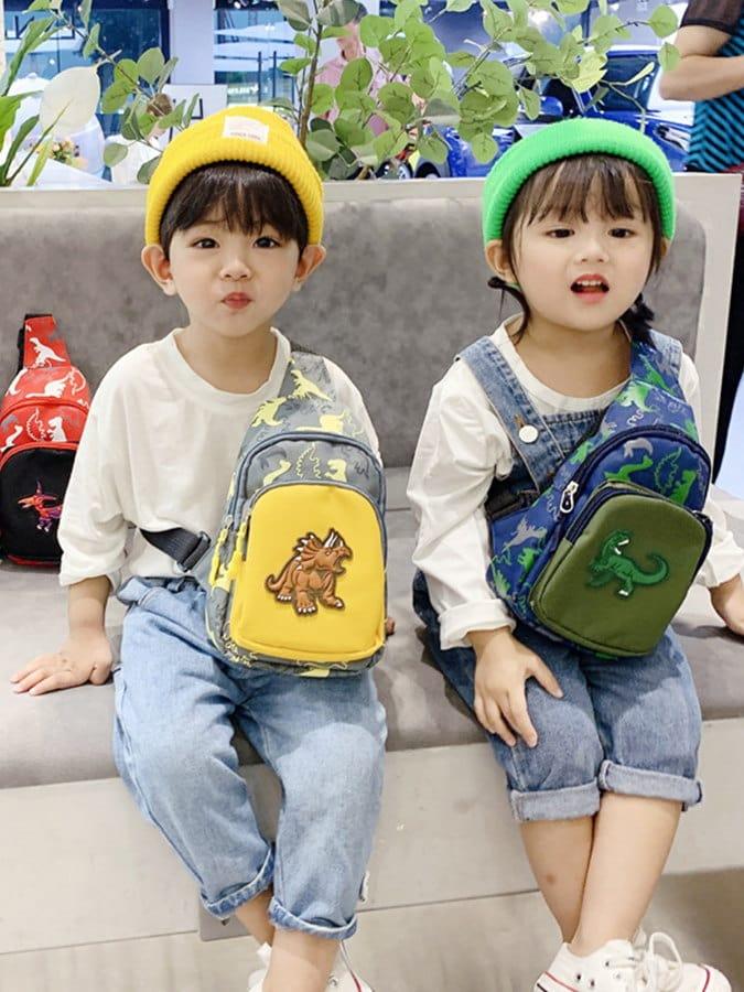 兒童胸包滿版恐龍斜背包.童裝
